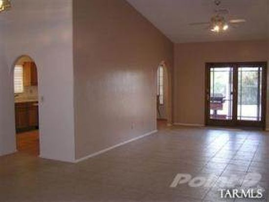 12801 N Meadview Way, Oro Valley, AZ 85755