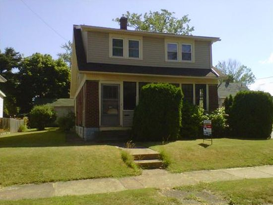 2227 Willow St, Erie, PA 16510