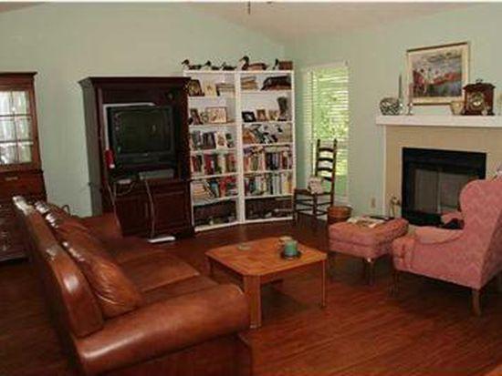 1677 Kinsale Dr, Cantonment, FL 32533