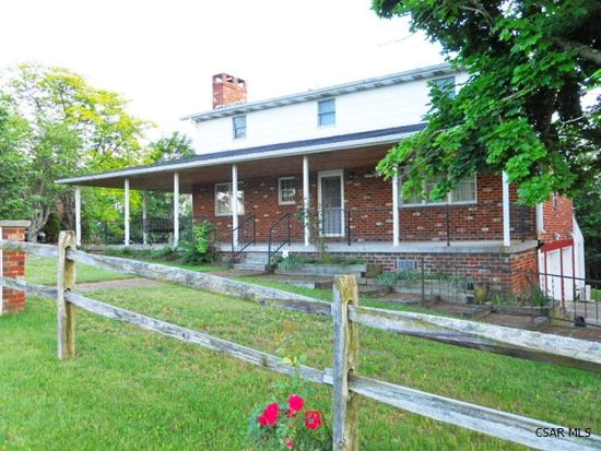 136 Colonial Dr, Davidsville, PA 15928