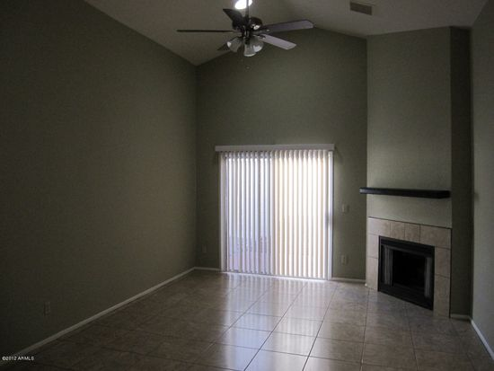 406 E Taro Ln, Phoenix, AZ 85024