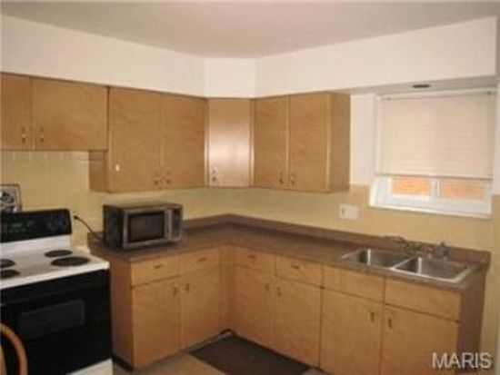 9026 S Laclede Station Rd APT 1W, Saint Louis, MO 63123
