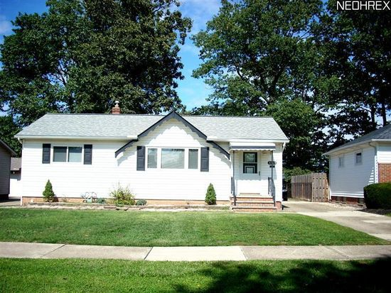 31505 Daniel Dr, Willowick, OH 44095