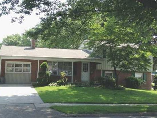 2 Commercial Dr, Camp Hill, PA 17011