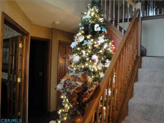 4847 Grove Pointe Dr, Groveport, OH 43125