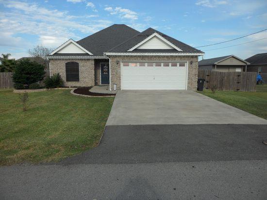 895 Jones St, Bridge City, TX 77611