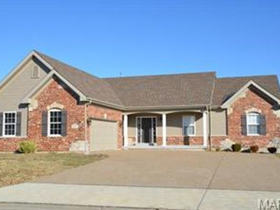 1023 Pearview Dr, Saint Peters, MO 63376