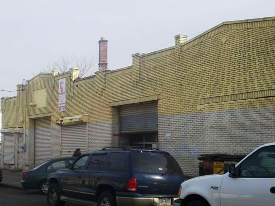 700 S 15th St, Newark, NJ 07103