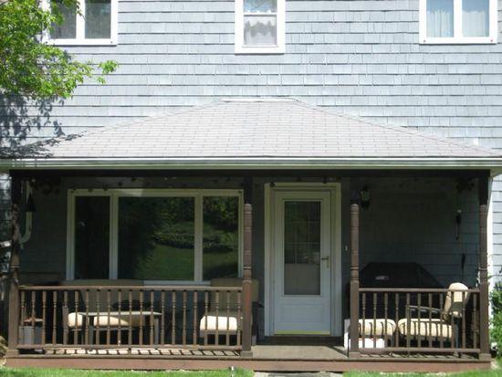 47 1/2 Brockett Rd, Niantic, CT 06357