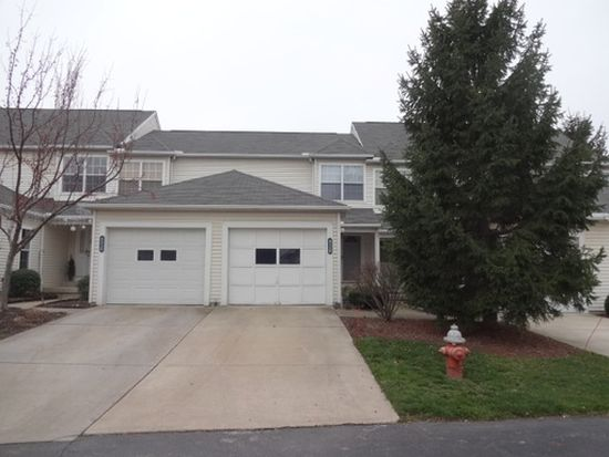 4228 River Ridge Dr, Cleveland, OH 44109