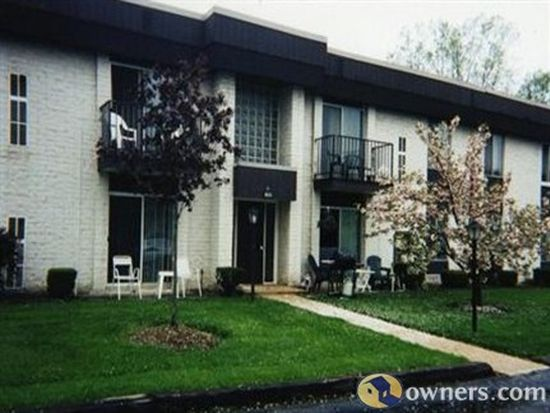 8455 N Akins Rd APT 204, North Royalton, OH 44133