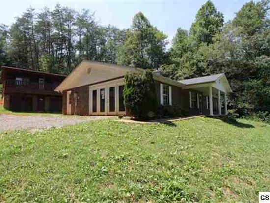135 Wolf Creek Rd, Walland, TN 37886
