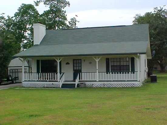 111 Summit Dr, Carriere, MS 39426