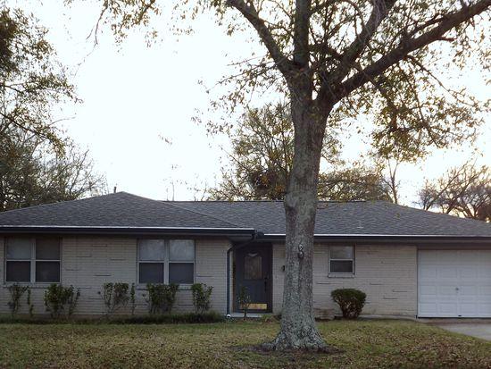 401 Caroline Dr, Port Neches, TX 77651