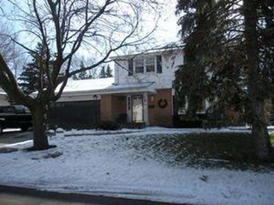 5922 Sycamore St, Greendale, WI 53129