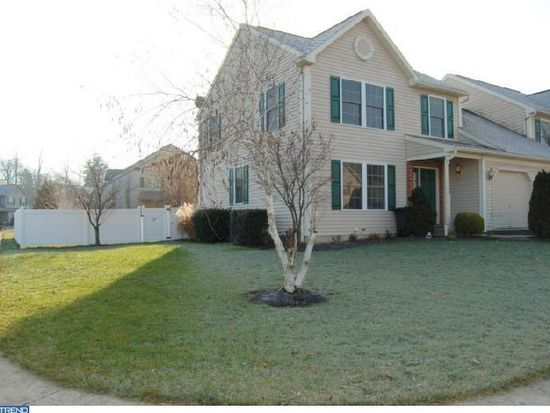 713 Maria Ave, Sinking Spring, PA 19608