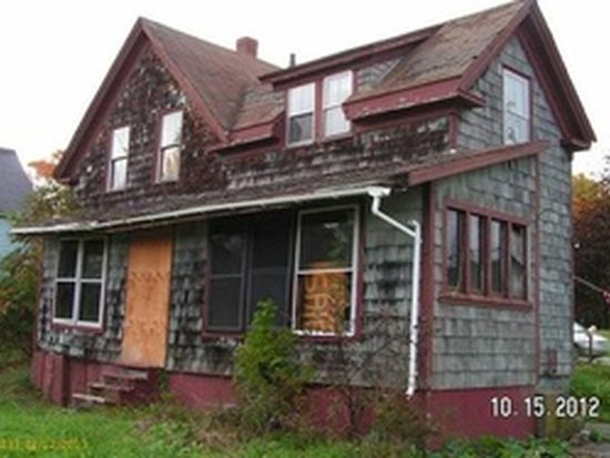 481 Old County Rd, Rockland, ME 04841