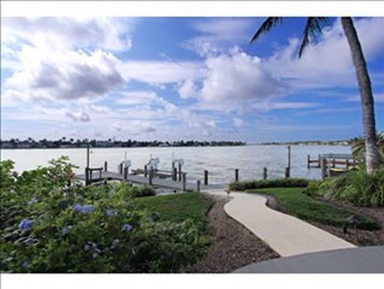 1825 8th St S, Naples, FL 34102