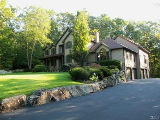 28 Rodeo Dr, Monroe, CT 06468