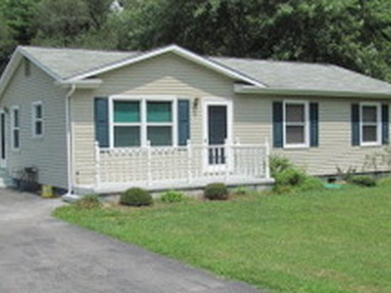 4835 Bradshaw Rd, Salem, VA 24153