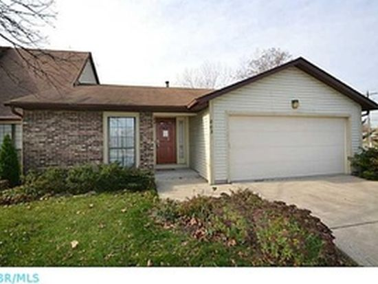 803 Applewood Ln, Westerville, OH 43081
