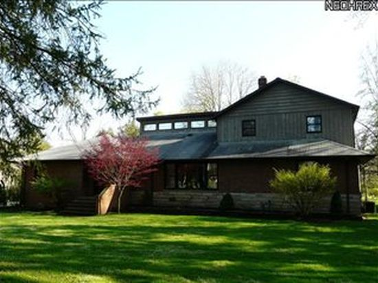 12600 Tinkers Creek Rd, Valley View, OH 44125