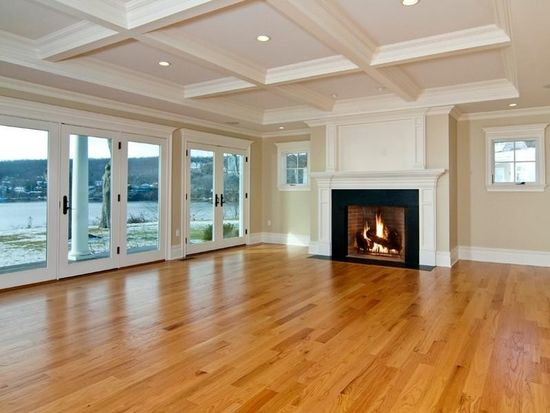 21 Park Dr, Waterford, CT 06385