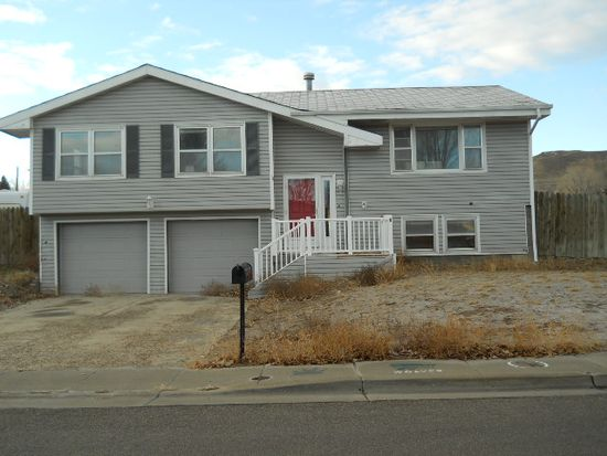 1680 Wyoming Dr, Green River, WY 82935