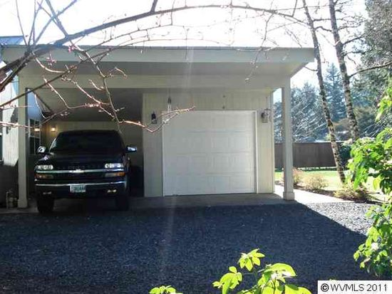 556 5th St, Lyons, OR 97358