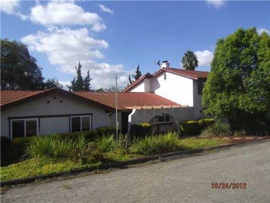 2151 Warmlands Ave, Vista, CA 92084