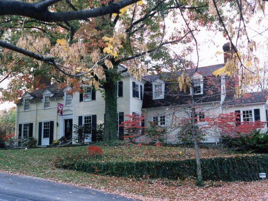 8 Cypress Garden St, Cincinnati, OH 45220