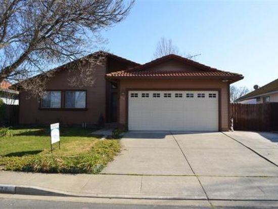878 Scottsdale Dr, Vacaville, CA 95687