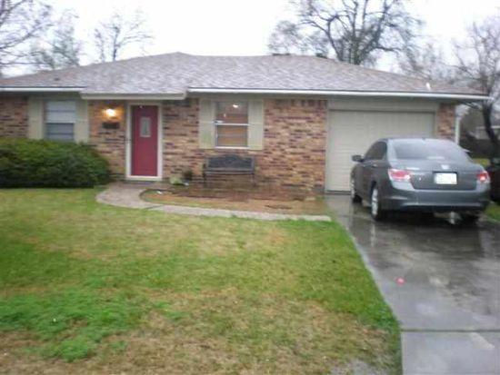 2711 Pearl Ave, Groves, TX 77619