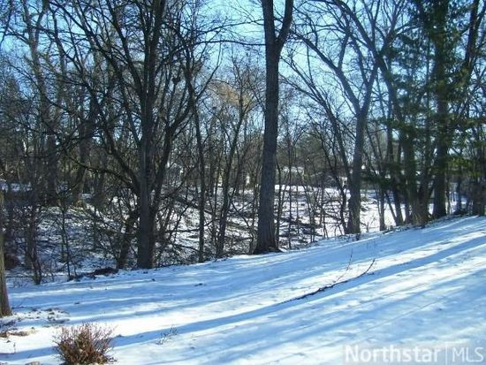 1555 Woodland Dr, Red Wing, MN 55066