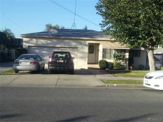 11755 216th St, Lakewood, CA 90715