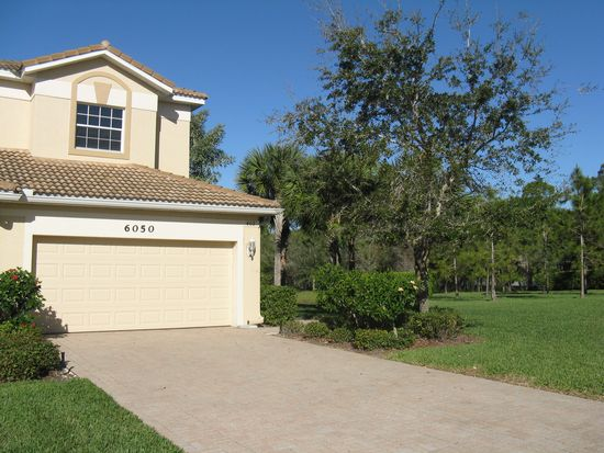 6050 Jonathans Bay Cir APT 402, Fort Myers, FL 33908