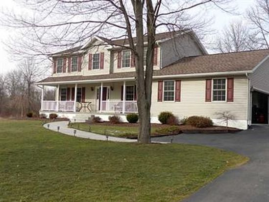 53 E Paul St, West Middlesex, PA 16159