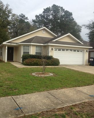 815 Willow Springs Dr, Mobile, AL 36695