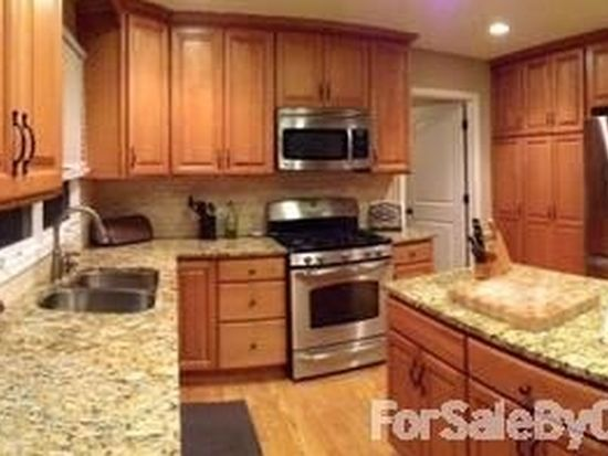 2212 Wild Timothy Rd, Naperville, IL 60564