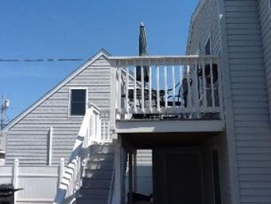 4 Keefe Ave # D, Hampton, NH 03842