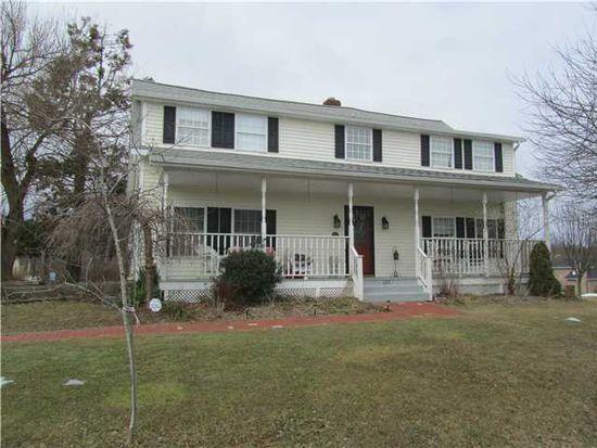 223 Forest Rd, Wallkill, NY 12589