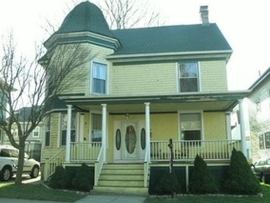 102 Arnold St, New Bedford, MA 02740
