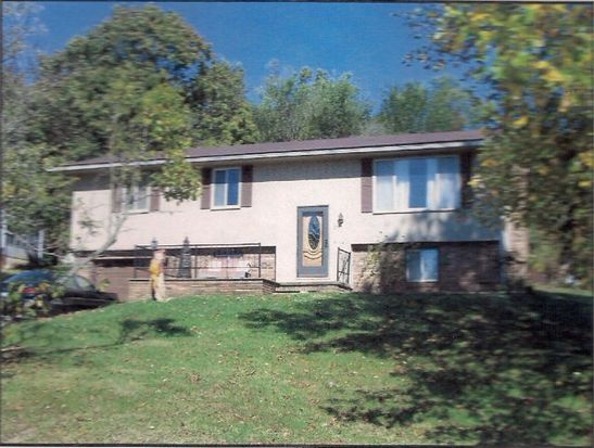 27 Lakewood Dr, Lucasville, OH 45648