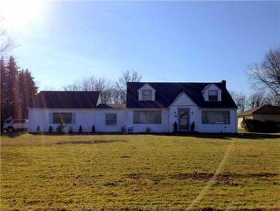 98 Meadowbrook Rd, Hermitage, PA 16148