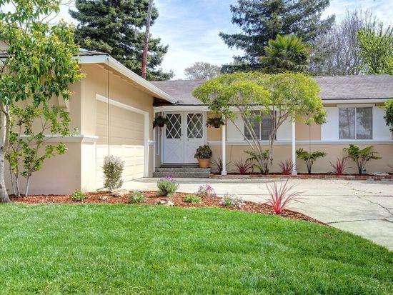 25 Graylawn Ave, Petaluma, CA 94952