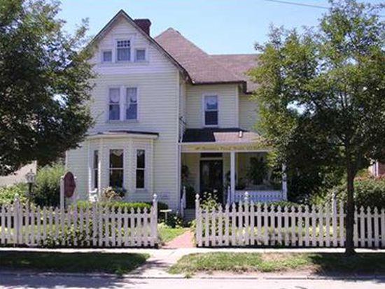 643 Allegheny Ave, Oakmont, PA 15139