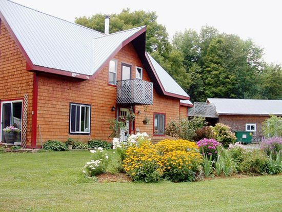 15 Little Farm Rd, South Hero, VT 05486
