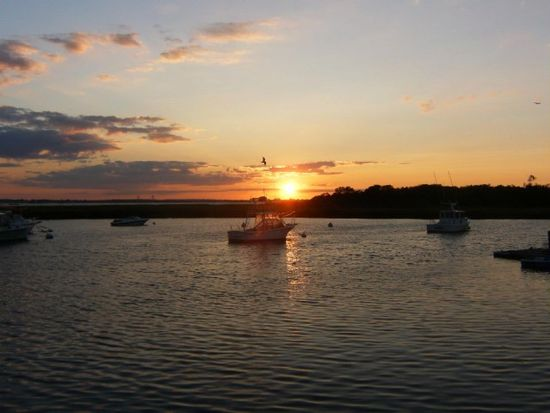 20 W 5th Rd, Broad Channel, NY 11693