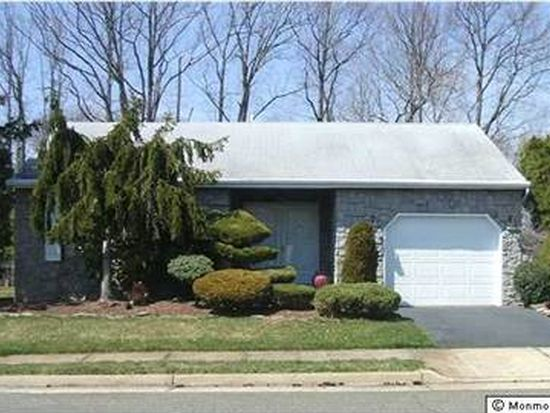 33 Lakeview Dr, Marlboro, NJ 07746