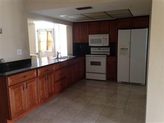 4590 NW 43rd Ct, Lauderdale Lakes, FL 33319